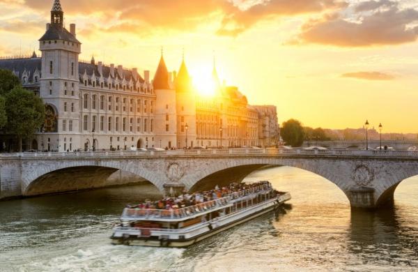 Parigi fiume datazione